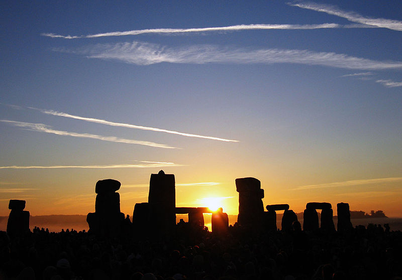 Datei:Summer Solstice Sunrise over Stonehenge 2005.jpg